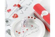 Décoration Vive les mariés / Décoration mariage Vive les mariés pour mariage à thème romantique ambiance blanc et rouge, blanc, rouge et gris pour une déco chic et glamour.