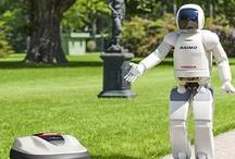 Household robots, huishoudrobots / Gemak dient de mens. Huishoudrobots worden met name ontwikkeld om veelvoorkomende klusjes in en om het huis van ons over te nemen. In feite zijn huishoudrobots electrische apparaten met extra intelligentie waardoor zelfwerkzaamheid ontstaat. Onder de huishoudrobots vindt u robot grasmaaiers, Schoonmaak robots, robot stofzuigers, Zwembad robots