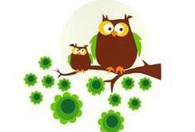 I love 'Owls' / Uhuu! Schon immer fasziniert uns Menschen ein weiser Vogel - die Eule. In unzähligen alten Kinderbüchern der 70er Jahre und in Neuen begleitete sie uns und heute unsere Kleinen. Eulen sind momentan wieder total im Trend. Nicht nur was Mode & Fashion betrifft, sind Eulen-Accessoires 'Hot Couture', sondern auch im Kinderzimmer sind sie ein gern gesehener Gast: farbenfrohe, großäugige und liebenswerte Exemplare in allen Größen und Formen zieren Betten, Wände, Wohnaccessoires und Spielsachen.