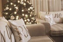 KERST   Riviera Maison / Inspiratie voor een sfeervolle kerst met Rivièra Maison. #wonen #woonideeën #woondecoratie #woonaccessoires #interieur #interieurtips #interieurideeën #interieurinspiratie #interieurdesign #interieurstyling #stylingtips  #decoratie #sfeer #design #kerst #kersttafel #tafelindeling #eten www.styling-id.nl