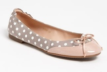 Flattering Flats / by Anne Maree Connick