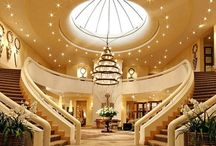 Enter Here / Foyers