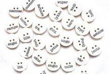 Knappetiknapp / Den rette knappen er prikken over i'en på et plagg