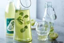 Glasweise Sommerfrische / Köstliche Sommerdrinks mit und ohne Alkohol