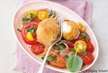 Paradeiser liebt Tomate / Wir Österreicher lieben Paradeiser. Tomaten sind aber auch ganz lecker.... ;-)