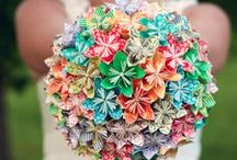 Non Traditional Wedding Bouquet Ideas / Bridal flower tutorials and inspiration to enhance your untraditional wedding.