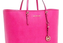 Handbags, Bolsos favoritos / by Rosa Margarita