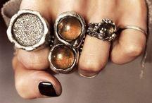 Piercings & Jewelry. / by Samantha Gordon
