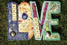 Garden Mosaic / The Art Of Making And Displaying Mosaics In The Garden