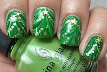 Christmas Nail Art / The Art Of Decorating Fingernails In Celebration Of The Christmas Season