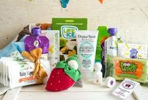 The Vegan Cuts Family Box / Are you a parent or do you know a parent? This lovely box, co-curated with Sayward Rebhal of Bonzai Aphrodite, is filled with cruelty-free products designed for babies, toddlers, and you, too! From food pouches to creams to wipes, everything you need for happy little ones is contained inside. Learn more: http://bit.ly/FamBox