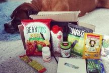 The July 2014 Vegan Cuts Snack Box / The July Snack Box was packed full of summer snacks! Take a peek at the brands included below. What was your absolute fave?  Need to get your summer snack on? Don't miss out on the August Snack Box: http://bit.ly/vegansnackbox