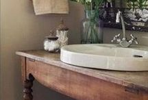 Vintage Bathroom / Bathe in style, vintage style that is!  #vintage #giftideas