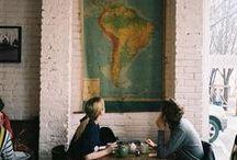 Att sitta på café