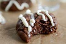 sweet {non-vegan} recipes / recipes my family loves and recipes I want to try to veganize someday. / by Katja Bücker