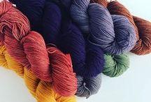 Jolie laine / On adore la laine, voici un tableau d'inspiration pour mettre en valeur ses pelotes en photos. Idéal pour Instagram :)