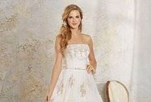 Modern Vintage Bridal / http://www.alfredangelo.com/Collections/Modern-Vintage-Bridal / by Alfred Angelo Bridal