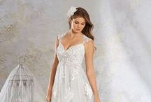 Modern Vintage by Alfred Angelo / http://www.alfredangelo.com/Collections/Modern-Vintage-Bridal / by Alfred Angelo Bridal