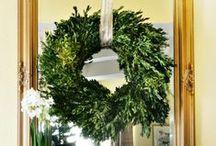 Kerstgroen | Christmas greenery / Mooie kerststukjes, prachtig kerstgroen, DIY-ideetjes en decoratie-inspiratie! / by Christmaholic.nl - kerst