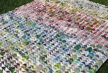 Quilts I Love / A real hodgepodge of pins that I aim to have categorised at some point in the near future!