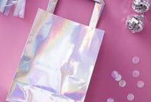 Holographic & Iridescent party! / ideas and inspiration for a holographic iridescent party