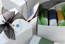Y de regalo... / Cajas de regalo con selección de productos naturales, jabones, cremas, aceites. Conjuntos para regalo. #regalo #cajas #cosmética #natural #jabones #unboxing #fiorebox #cajassuscripcion #cajasbelleza