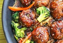 Healthy Dinner Ideas / Healthy and delicious dinner ideas full of lean proteins, vegetables, and whole grains for nutritious and easy weeknight dinners.