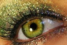 Make up ..... / by Mariah Baye