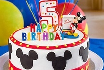 Mickey & Minnie Mouse Party Ideas / Get Mickey Mouse party ideas to WOW your birthday star, from cake and cupcake ideas to inspiration for easy & amazing favors, activities and dress-up Mickey fun. Come along and sing a song!