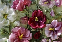 Flowers Make Me Happy / by Erinn F.
