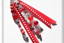 *MdK: Sleutelhangers & Tashangers / Key Chain / Deze sleutelhangers & tashangers zijn gemaakt door Meer dan Kralen. Meer dan Kralen heeft een selectie hangers in de webshop, maar deze kunnen ook speciaal voor u op gemaakt worden in een bepaalde kleur of thema.