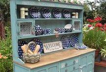 Kitchen Dressers / by Carla Doyle
