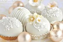 Cake Pops / by Yulia Ramos Frigerio