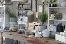Crafts: Booth Love / Ideas for a fabulous flea market or craft booth.
