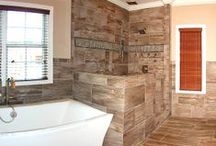 Spectacular Showers / Browse luxury master bathrooms with walk-in showers!