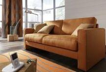 Oranje! / Oranje voor je interieur tijdens een EK, WK of Koningsdag? Kijk ook eens hier: https://www.facebook.com/media/set/edit/a.455116311232190.1073741837.112591252151366/ Het woord oranje is afkomstig van het Perzische narang, dat sinaasappel betekent. Oranje is een kleur die zich in het spectrum tussen rood en geel bevindt.Symbolische betekenissen zijn tweeledig - vreugde, goede gezondheid, creativiteit en warmte aan de ene kant; oppervlakkigheid, lawaai en trots aan de andere kant.