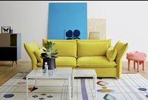Sofa / I vår butikk på Bærums Verk har vi en mengde sofaer i utstilling og her ser der en del av dem i flere forskjelle farger/modeller til inspirasjon. For info om pris kontakt oss på request@verketinterior.no