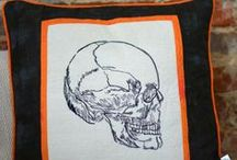 Halloween Craft Ideas / Halloween seasonal activities, snacks, DIYs, and crafts.