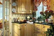 Kitchens / by Jo Chadd