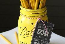 DIY - Teacher Gift Ideas / DIY teacher gift ideas for back to school, teacher appreciation, Christmas, and teacher's birthday gift ideas.