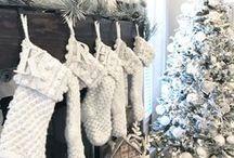 HOLIDAY - Christmas Home Decor / Christmas Home Décor I love. Free Christmas Printables. Christmas Décor Ideas. Christmas Trees I love. Christmas mantels I love. Outdoor Christmas Décor.