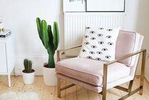 Wohnideen :: / Interior im Boho Stil - das inspiriert mich. Wohnen mit Pflanzen ist für mich die perfekte Wohlfühlumgebung.