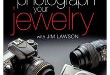 Cómo fotografiar joyería- How to photo jewelry / En este tablero se encuentran tutoriales sobre cómo hacer mejores fotos a tus pequeñas creaciones!!! Disfrútalo y sácale provecho.