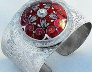 Esmaltes en joyería -Enamel jewelry / Tipos de esmaltes al fuego y horno en joyería y tutoriales que lo explican.