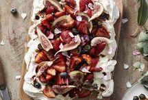 Fraises, mûres, cerises... | Strawberry, blackberry, cherry... / Parce que j'adore les fruits rouges et noirs, voici mes recettes coups de coeur pour des desserts appétissants et délicieux !