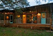 Cabane and Tiny House / by Anne Sophie Hubs
