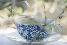 Teas, Cakes, & Confections / by Francesca Kanyzová