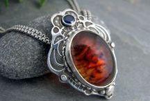 Jewelry: Necklaces / by Jessica K.