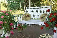 Porches & Porch Swings
