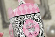 Black and White Princess Damask Party Ideas / The Elegant Princess Damask theme will give your little princess the royal treatment she deserves.